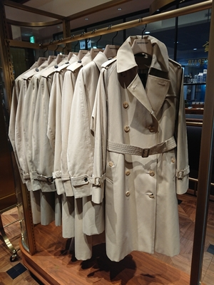 【ミッドランドスクエア店】100年コートwomanクラシックモデルのご紹介です!